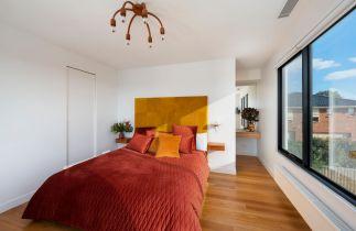 bedroom-renovation-wood-floors